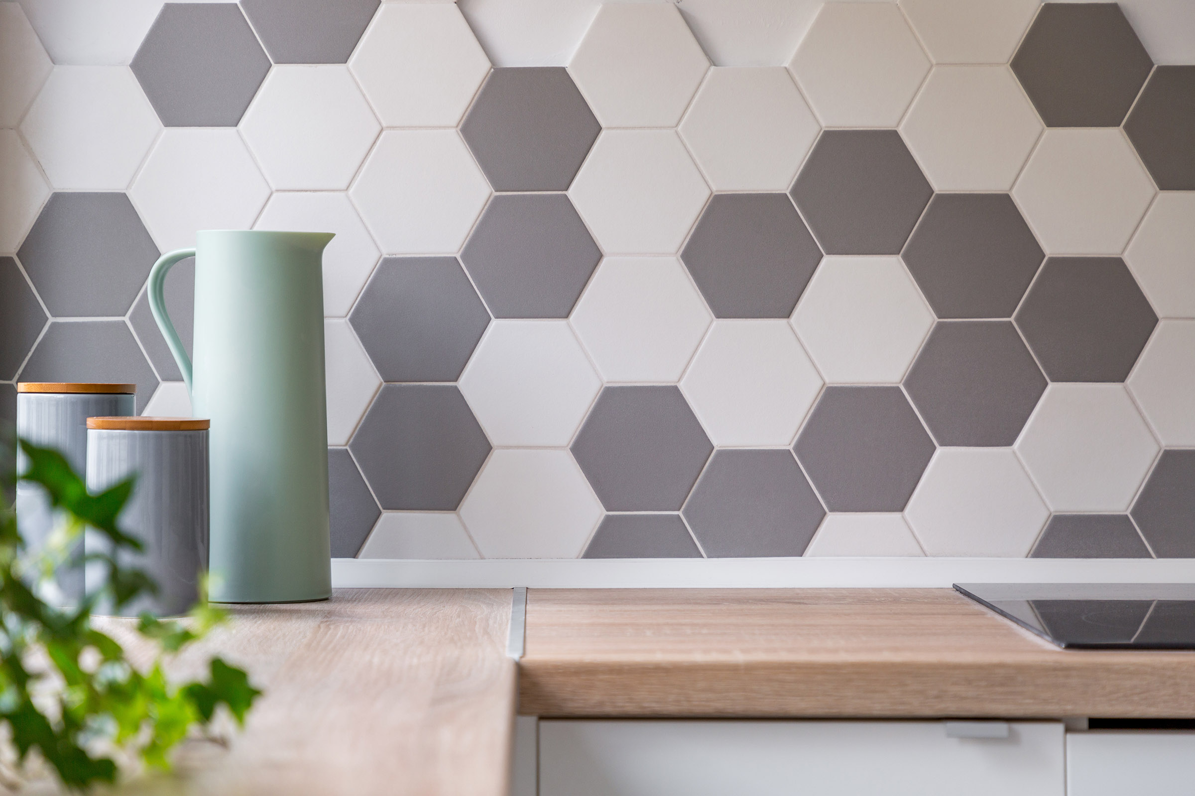 Honeycomb wall tiles and worktop